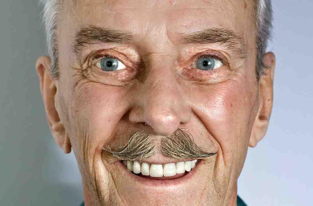 Comment faire une moustache